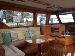 Ambiance Saloon below decks