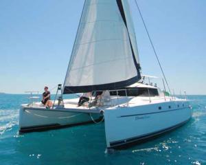 Whitsunday Getaway sailing